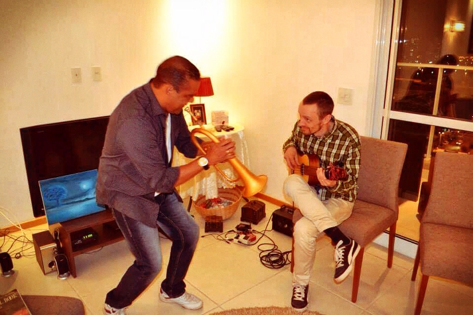 Jammin' with Paulinho Castro